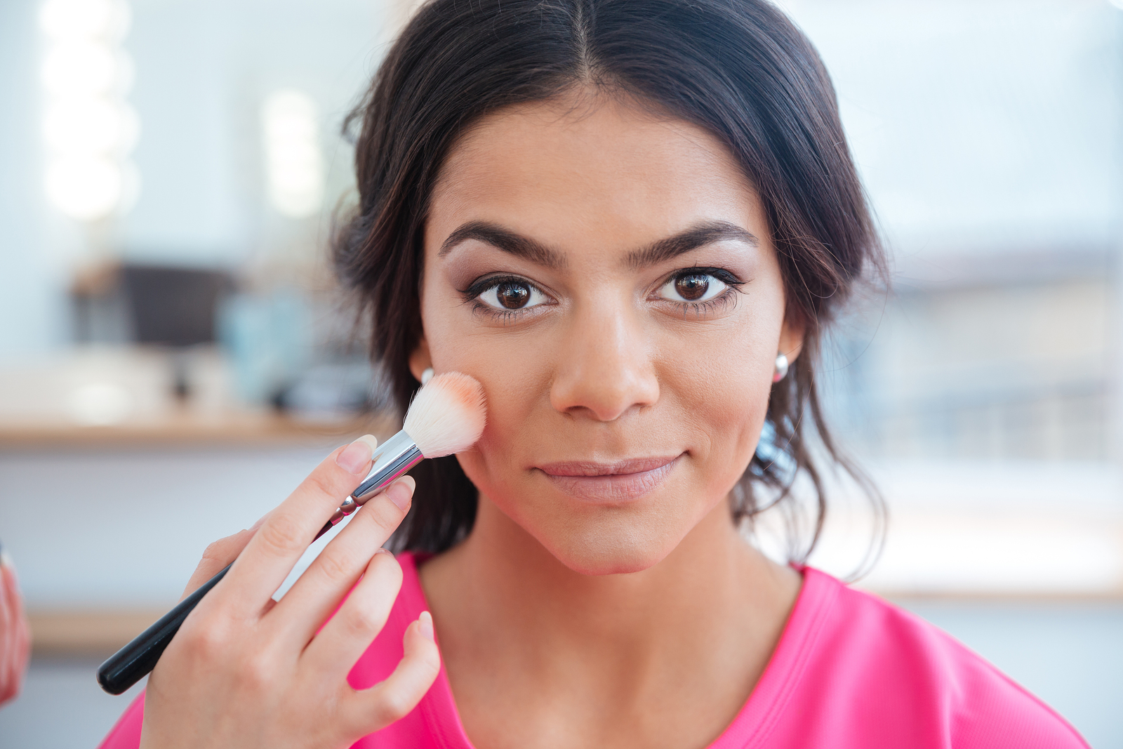 Slim Your Face with 4 Easy Makeup Tips